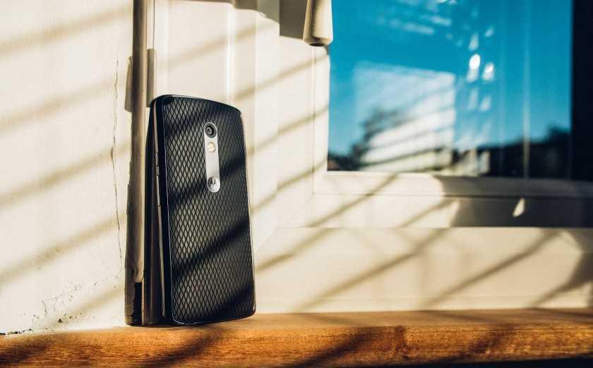 Обзор Moto X Play - крутой телефон за свои деньги!