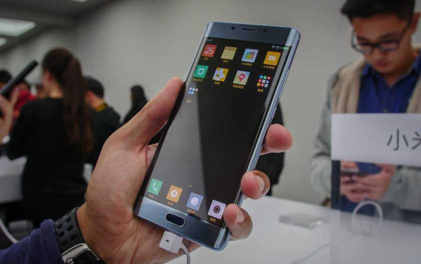 xiaomi-mi-note-2-hands-on-first-look-aa-18-840x560