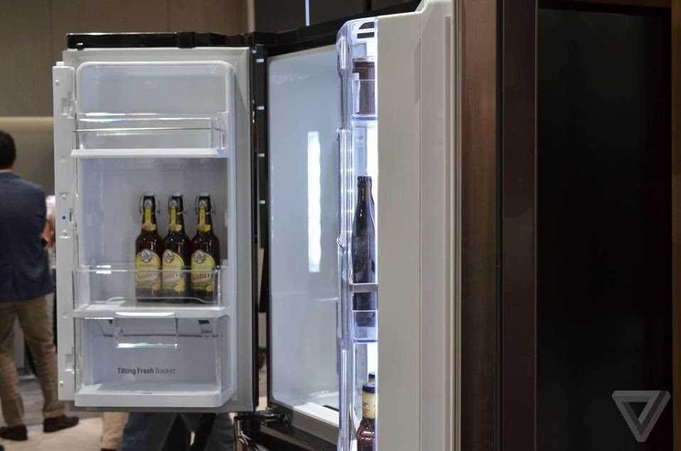 LG представили умный холодильник на windows